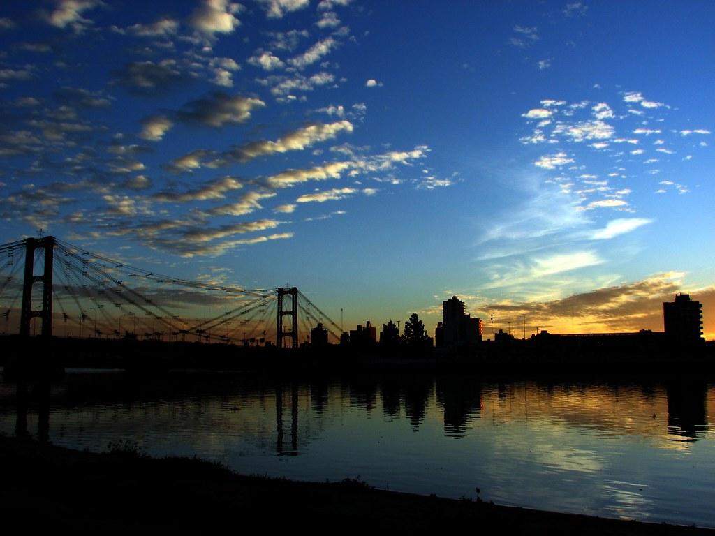 Puente, Laguna y Cielo